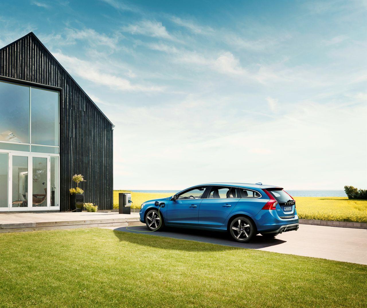 Volvo V60 Plug-in Hybrid Premiere In Leipzig